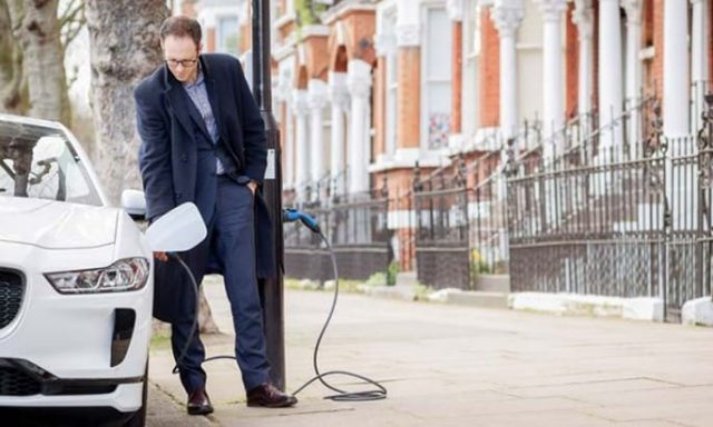 Siemens, Lamba Direklerini Ev şarj Cihazlarına Dönüştürüyor