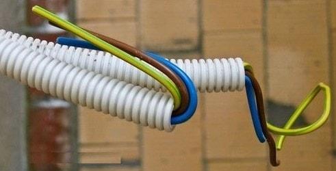kablo rengi mavi kahve